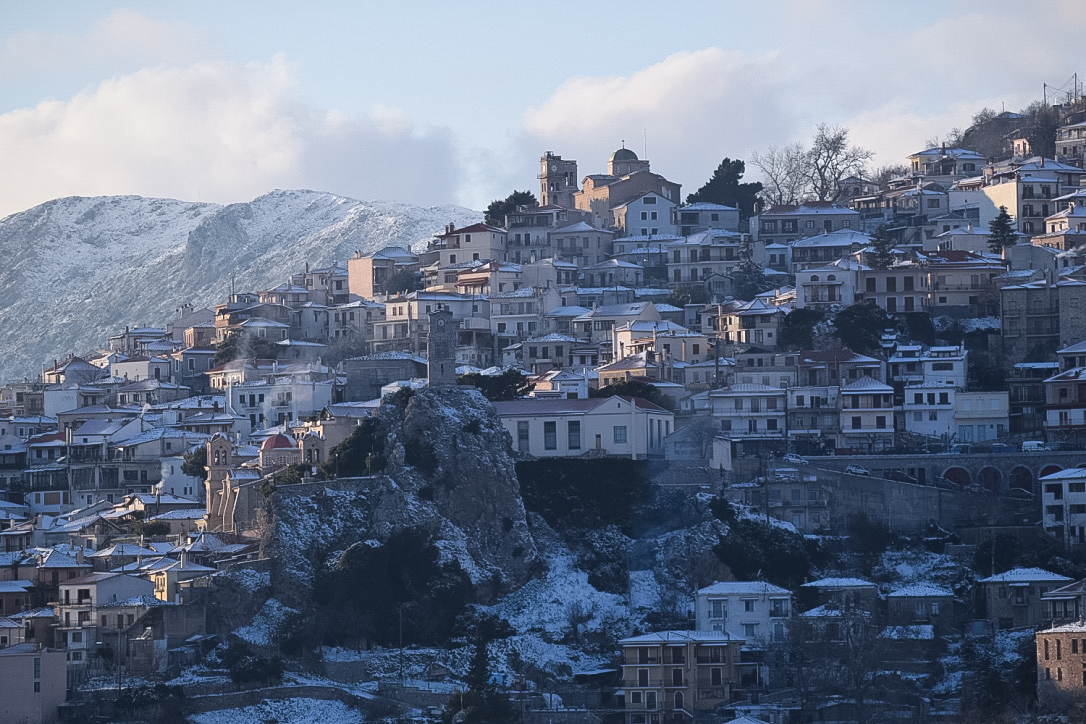 Snowed Arachova in 11 beautiful photos